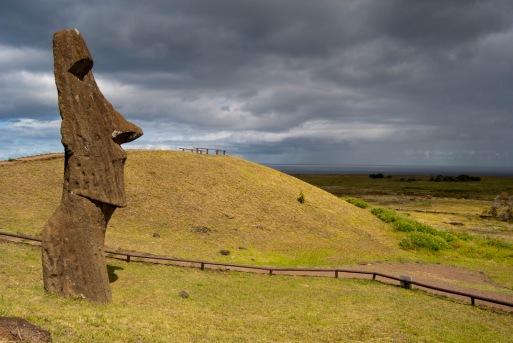 moai-easter-island-statue-head-piro-piro-incoming-rain-clouds